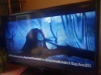 TV 32in + DVD+ Anatenna 200 channels