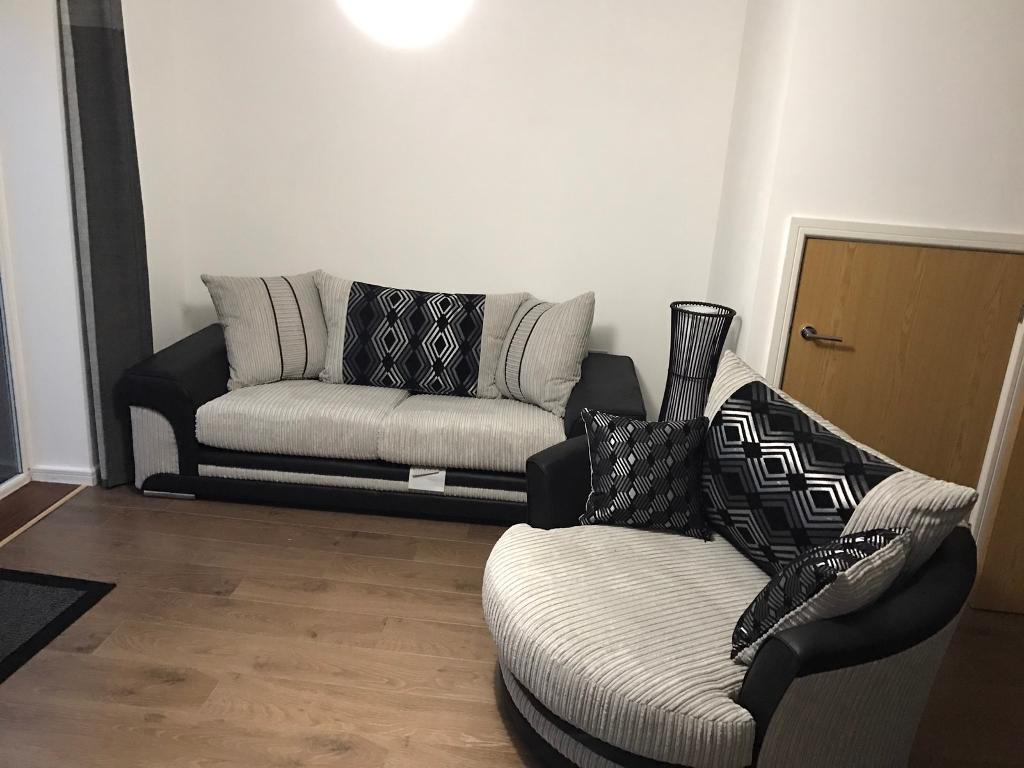 Large Swivel Chairs Living Room Scs Voyage 3 Seater And Large Swivel Chair In Dunmow Essex