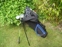 JUNIOR GOLF CLUBS IN BAG WITH STAND