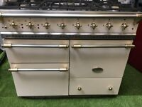 Lovely Lacanche Macon Range cooker large oven cream and brass French range