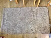Shaggy rug 140cm x 83cm