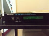 Roland JV880 Multi-Timbral Synthesizer c/w Operating Manual