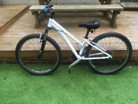 "Trex Skye S 13"" Womens white Mountain bike 2014. Very good condition only used a few times."