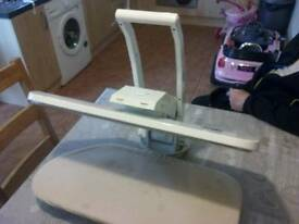 Table top ironing press