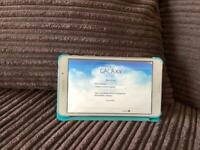 "Samsung Galaxy Tab4 7"" screen White (model SM-T230) and 4gb micro sd card"