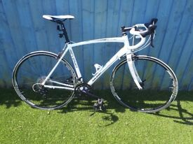 Raleigh Revenio 2 (excellent condition covered less than 200 miles)