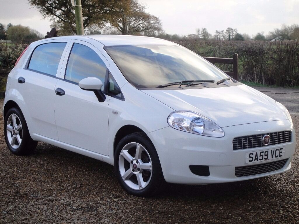 2009 fiat grande punto 1 4 active sport 5 door in white. Black Bedroom Furniture Sets. Home Design Ideas