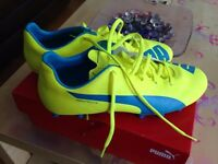 Puma evospeed 5.4 football boots size 6 - WITH BOX