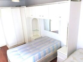 ***AMAZING SINGLE ROOM AND VERY CHEAP AS WELL JUBILEE 24H 2MIN FROM THE STATION BILL INC