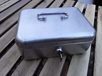 Small cash box with key