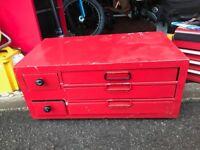 METAL RED TOOL BOX