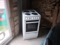 Electric cooker £50 can deliver locally
