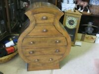 VINTAGE ORNATE UNUSUAL CHEST OF DRAWERS.5 DEEP SHAPED DRAWERS.VERSATILE LOCATION USAGE.DELIVER