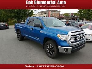 2016 Toyota Tundra 4x4 5.7 w/ TRD and Leather