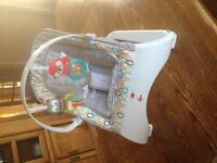 Fisher Price bouncy seat, LIKE NEW !!