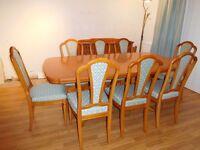 Beautiful Large Strongbow (William Bartlett Ltd) Yew Dining Table and 8 Chairs