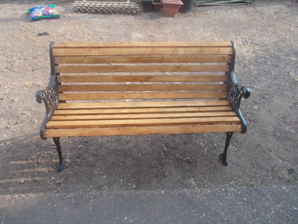 Garden Bench With Cast Iron Ends New Wooden Slats And Bolts Nice Clean