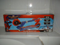 NEW BOXED SPIDERMAN HOMECOMING INLINE SCOOTER with BRAKE + ADJUSTABLE HANDLE HEIGHT - XMAS PRESENT?