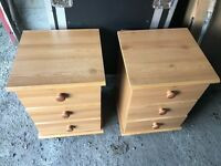 Set of bedside tables with drawers