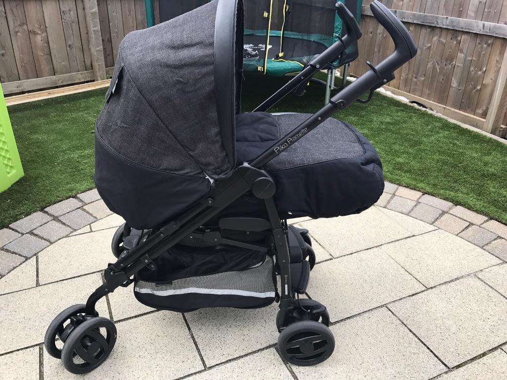 Mamas and Papas Pilko Pramette Travel System in City Scape