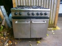 Comercial Parry Stove and Oven