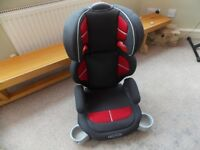 GRACO CHILD CAR SEAT- HARDLY USED- GREAT CONDITION- RETRACTABLE CUP HOLDERS