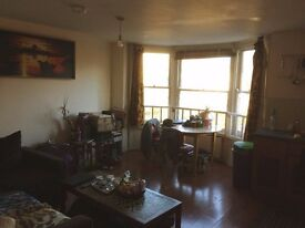 Double room available in flatshare... amazing location!