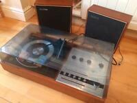 Van der molten turntable and radio
