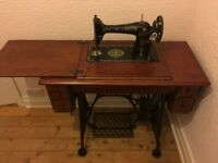 Vintage Singer sewing machine, good working condition