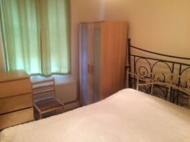 Ensuite Double room in West Acton. Central Line.Private Shower/Toilet. All bills & Wifi incl.
