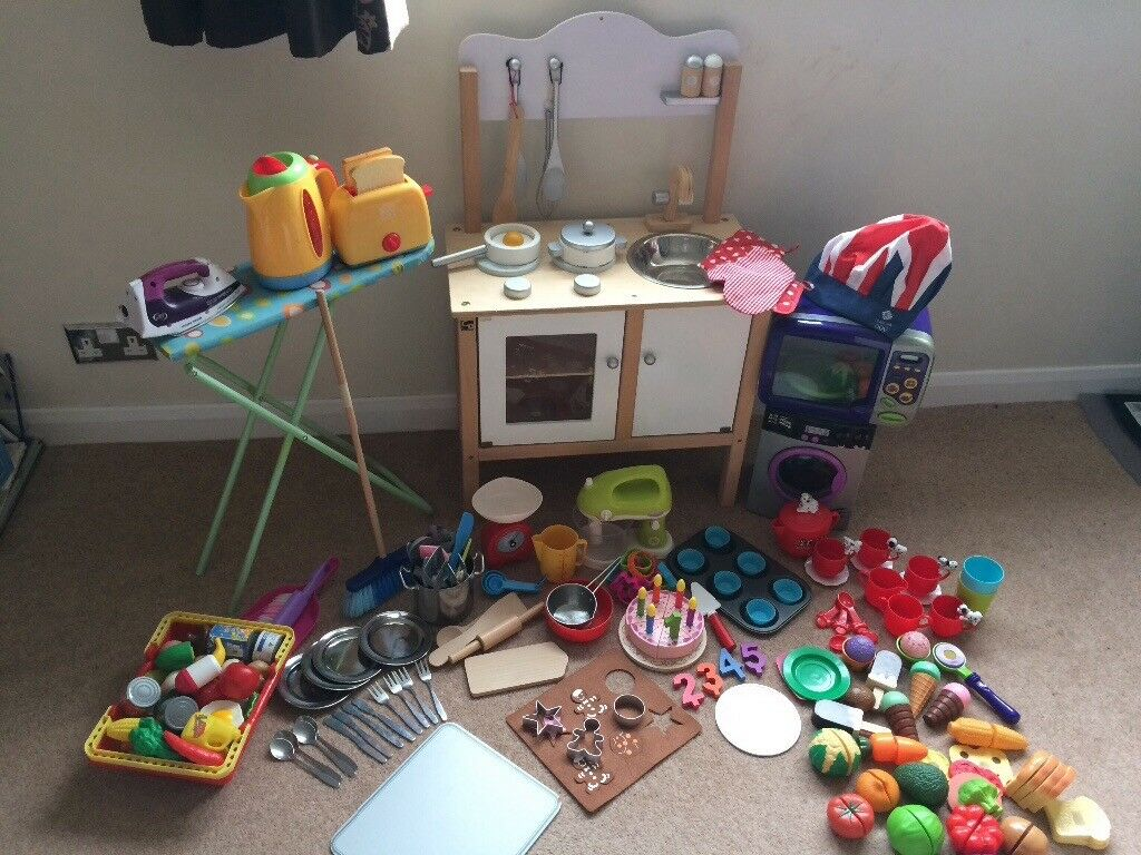 Wooden Play kitchen with loads of accessories