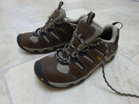LADIES WALKING / HIKING BOOTS - KEEN-DRY KOVEN LOW RISE size 5.5