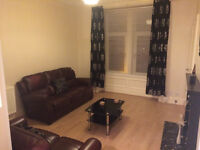 2 bedroom furnished flat, Brachelston Street Greenock. Available now. £400pcm.