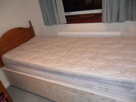 Divan bed with drawers and matress