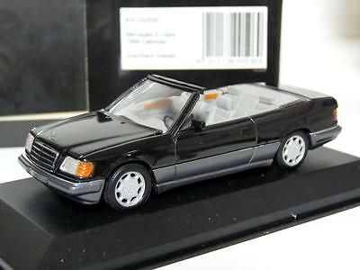 Minichamps 430033530 1/43 1994 Mercedes-Benz E-classe Cabrio Diecast Model Car