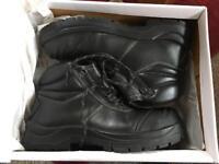 Size 10 steel toe cap boots