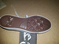 BRAND NEW! Ladies Converse trainers size 7
