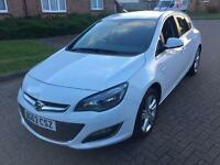 VAUXHALL ASTRA WHITE 1.4LITER PETROL MANUAL 5DOOR TOP SPEC ONLY 45K MILEAGE