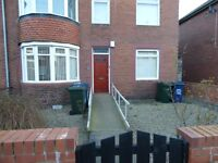 North Of Fenham.Stunning 2 Bed lower Flat.Excellent Street.Large rooms.No Bond!Dss Welcome