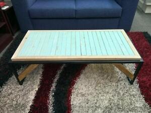 """Table de centre en acier 1"""" pouce carré et bois franc recyclé et neuf"""