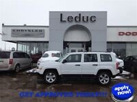 2014 JEEP PATRIOT SPORT 4X4 - ONLY 11280 KMS and APPROVED TODAY!