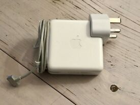 APPLE ORIGINAL CHARGER 85WATTS OR 65WATTS OR 45WATTS PLEASE CALL 07707119599