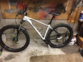 specialized fuse comp 650 b+