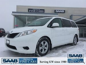 2014 Toyota Sienna ONE OWNER NO ACCIDENTS LE 8 PASSENGER
