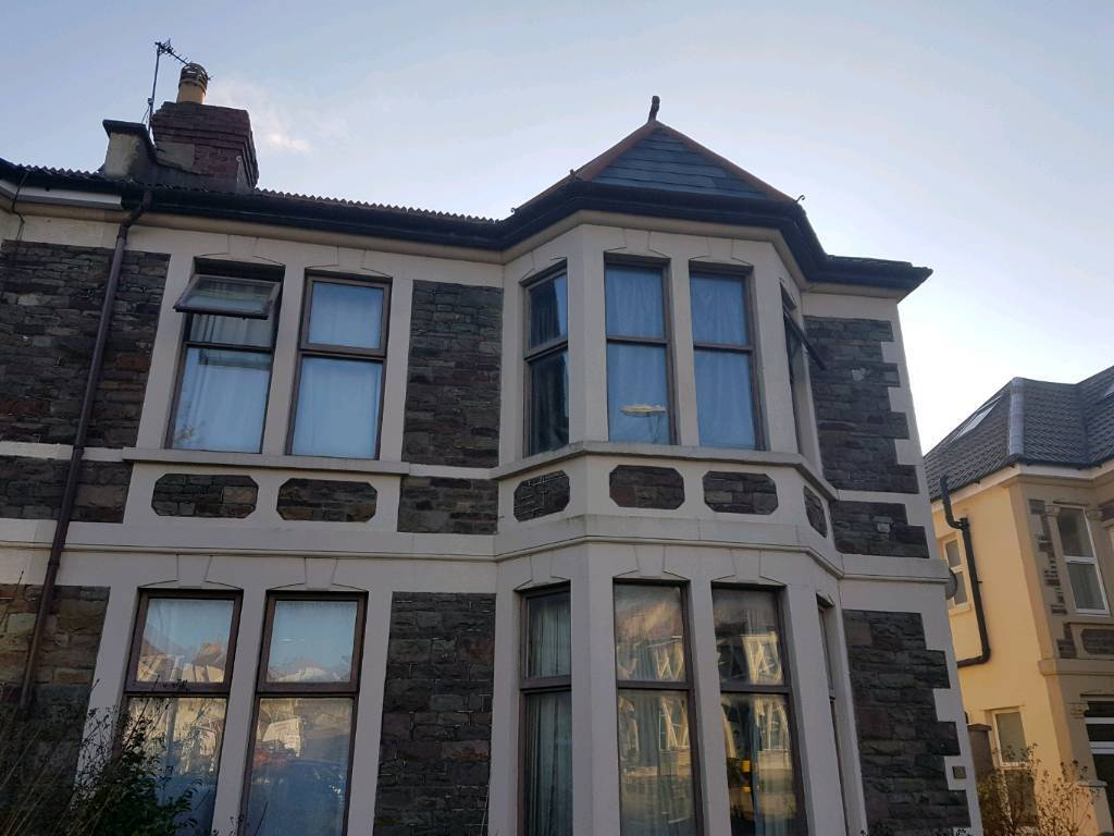 Double And Single Room To Rent In Friendly Houses Near