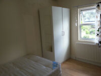 013M-BOUNDS GREEN-MODERN DOUBLE STUDIO FLAT,FULLY FURNISHED,BILLS INCLUDED EXCEPT ELECTRICITY- £150W