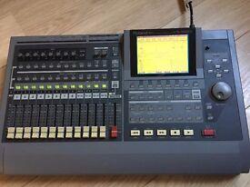 Roland VS-1680 16 Track Digital Studio Workstation