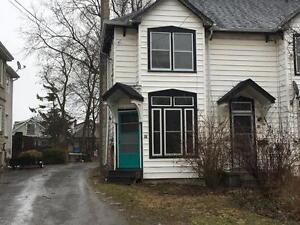 CHARMING 2 BED IN GREAT NEIGHBOURHOOD! 91 Livingston Ave