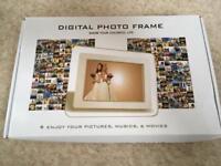 Digital photo frame - brand new