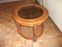 OCCATIONAL AMERICAN OAK CIRCULAR TABLE 25 INCHES ROUND WITH RATTAN SHELF BELOW